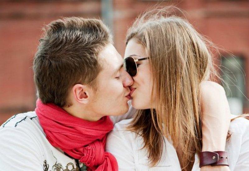 целоваться фото