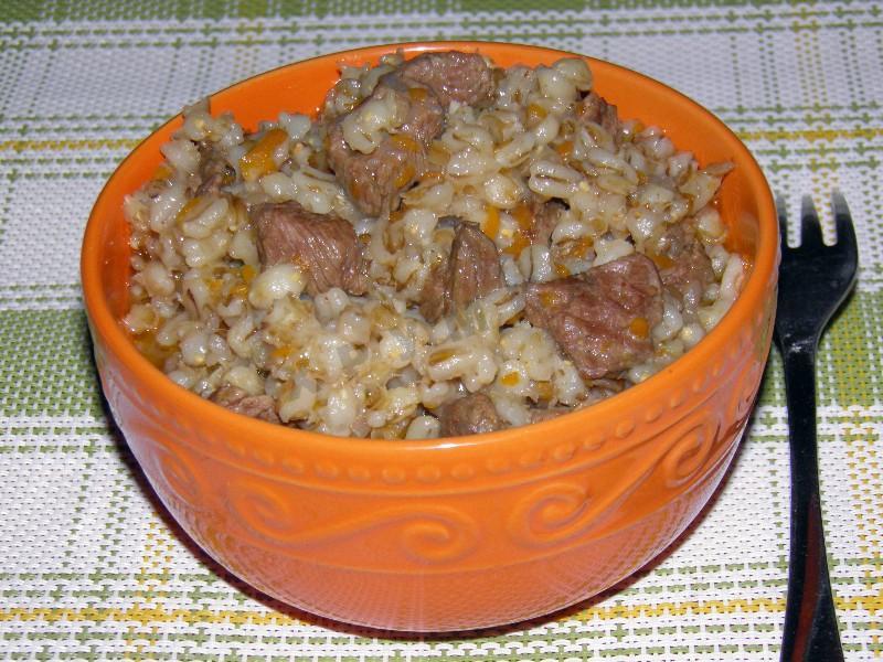 Перловая каша с мясом в мультиварке рецепты с фото с тушенкой